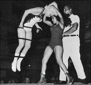 Old Time Ladies Wrestling http://www.glorywrestling.com/POD/200106/PicOfDay.asp?the_day=26&the_month=6&the_year=2001